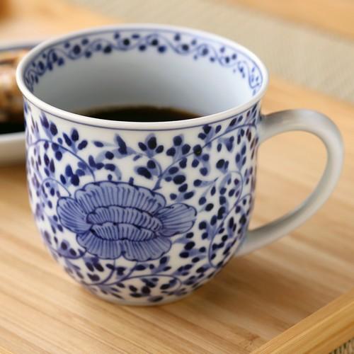 牡丹唐草 マグカップ 作:井手國博・与志郎窯(有田焼)