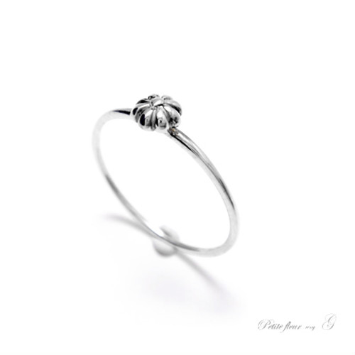 martine 可愛らしい小さなお花のシルバーリング。petitefleur【SILVER925】OR071004AG