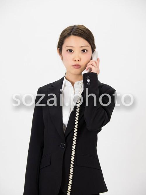 人物写真素材(rin-4187455/電話をする女性)