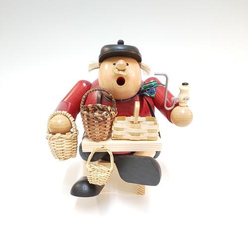 煙出し人形 『カゴ売り』