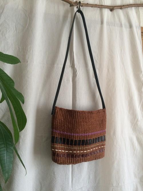 <安価版>輪織りで楽しむ、革ストラップの大きめショルダーバッグキット