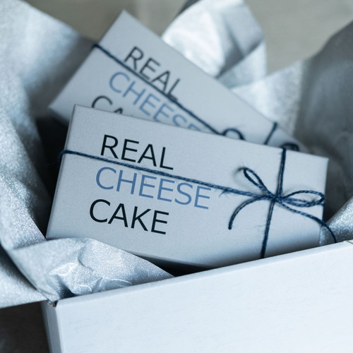 REAL CHEESECAKE ギフトセット(プレーン・チョコ各1本)2本セット