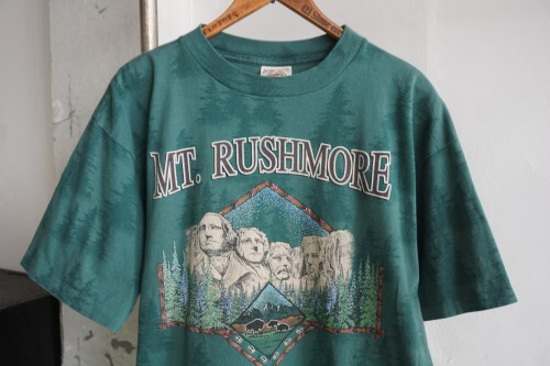 """80's MOUNT RUSHMORE souvenir Tee """"Made in U.S.A."""""""