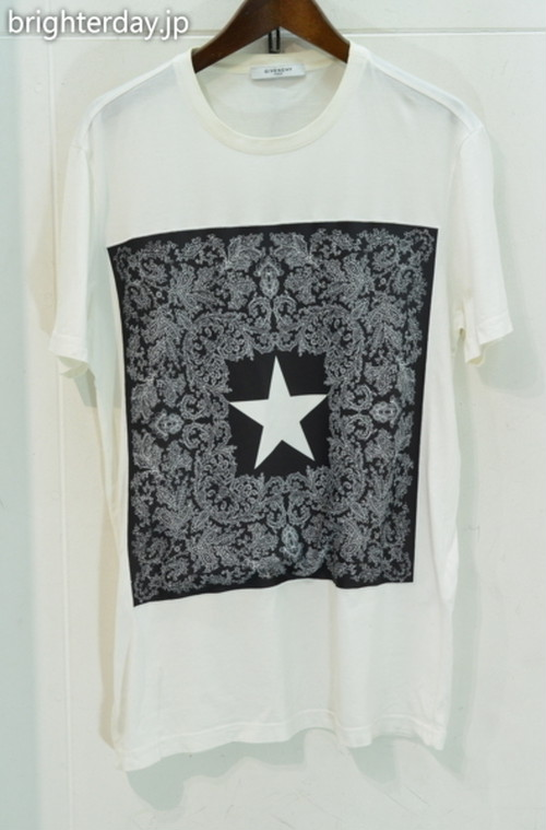 GIVENCHY ペイズリーTシャツ