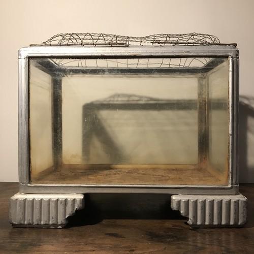 古いブリキ枠 水槽