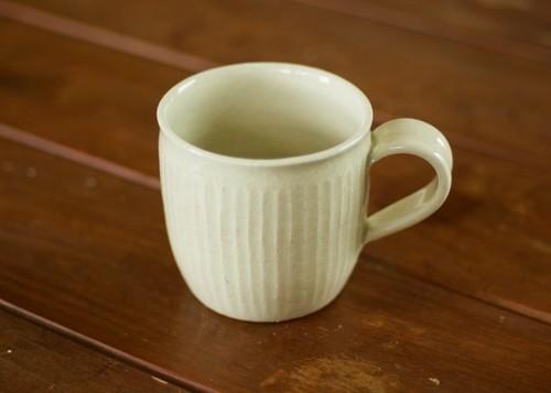 白橡釉マグカップ(鎬)