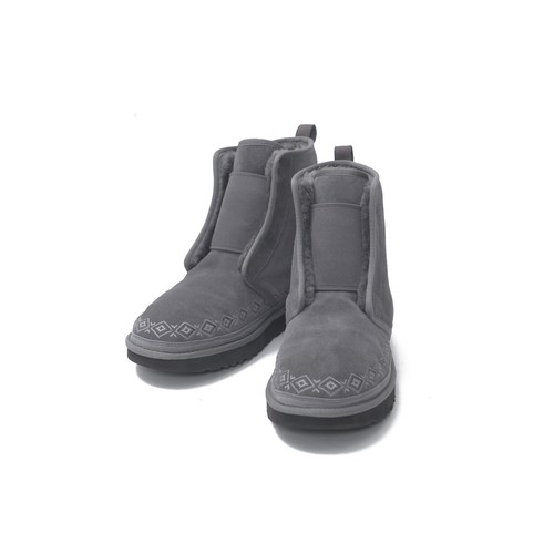 WM × UGG EMBROIDERED FRONT GORE BOOTS - GRAY