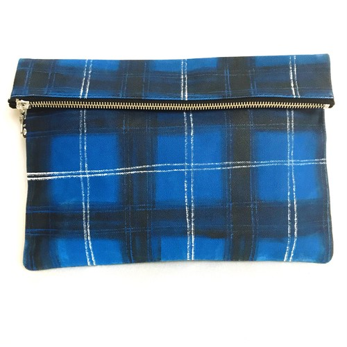 Tartancheck Clutch Bag 《h》