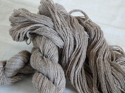 手紡ぎ毛糸 フランス 薄茶色 lot-A01-1 43g (total 158g)