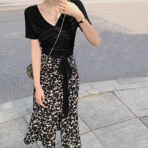 【set】魅力アップVネックリボン付きトップス+スリット花柄スカート N-0134