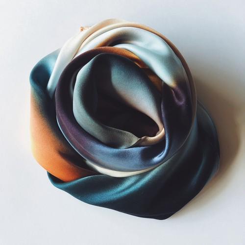 La  スカーフ 琥珀色の余韻 90cm