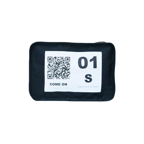 No.1 Travel Pouch (QR) Black 1 LO-STN-PC01