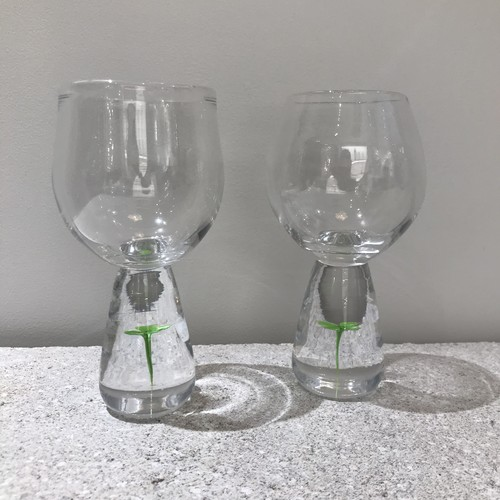 Clover wine glass
