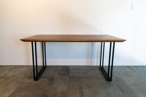 Wallace V Dining Table 150
