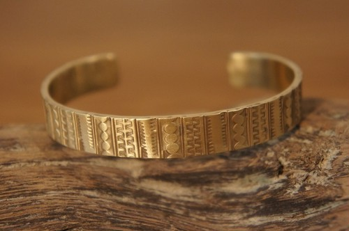 stripe brass bangle