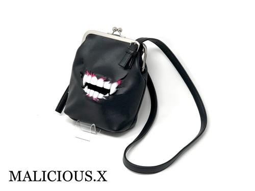 vampire metal clasp shoulder  bag