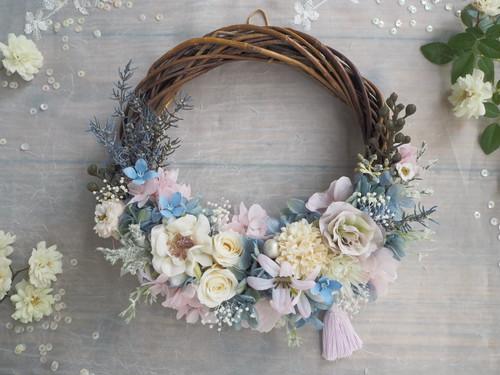 Lune Bonheur<French rose bébé >*ハーフムーンリース*プリザーブドフラワー*お花*ギフト*結婚祝い*新築祝い*お誕生日祝い*ウェディング