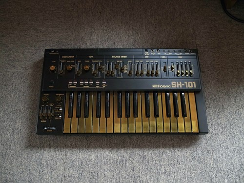 Roland SH-101 Black & Gold custom