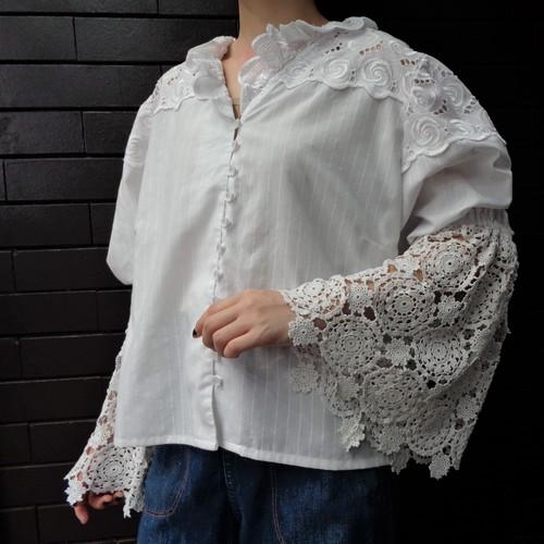 Croche lace bellsleeve blouse クロシェレース ベルスリーブブラウス