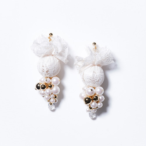 LACE PEARL GRAPES EARRINGS (WHITE)
