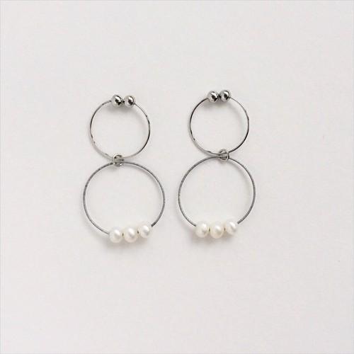 ヴァイオリン, ヴィオラ弦の3粒パールイヤリング Violin,Viola hoop pierces with pearls S (Silver)