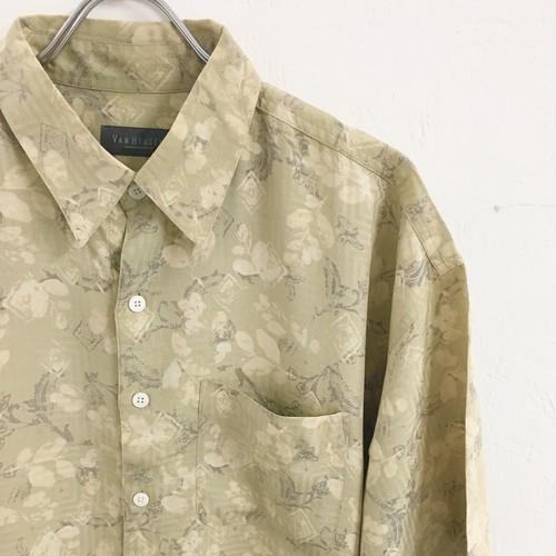 VAN HEUSEN : s/s botanical pattern silk shirt (used)
