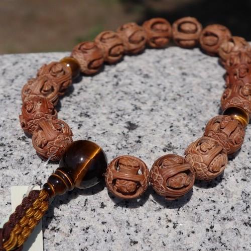 白檀(回転羅漢彫)虎目石仕立て(Arhat Sandalwood carved style&Tiger eye) 18玉