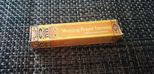 mornng prayer incense  チベット お香