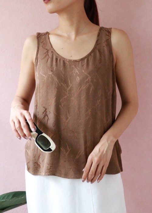 brown sleeve less tops