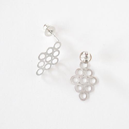 lace pierced earring - silver