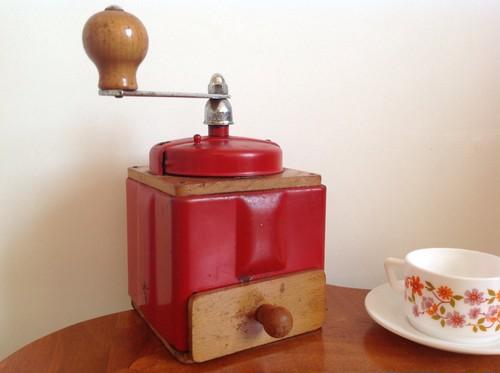 フランス プジョー社 アンティークコーヒーミル 赤