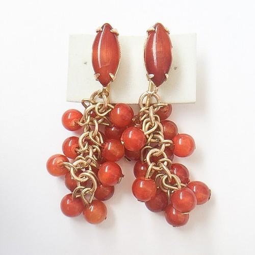 red beads dangle earring[e-701]
