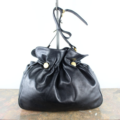GUCCI LOGO BUTTON LEATHER DRAWSTRING SHOULDER BAG MADE IN ITALY/グッチロゴボタンレザー巾着ショルダーバッグ