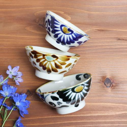 【やちむん】飯椀大 唐草/ [Yachimun] Rice Bowl (Large) 'Arabesque'  #031
