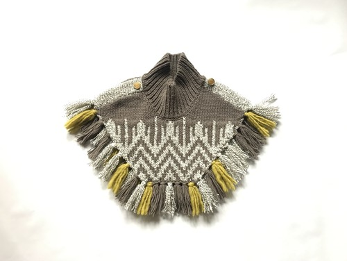 Limited color Nordic knit mantle