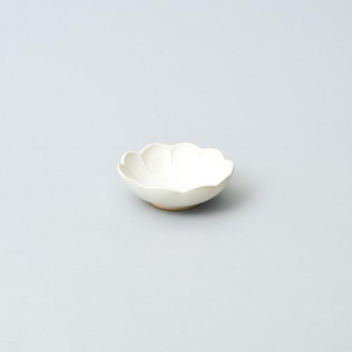 輪花小鉢 9.5cm  (パール釉)