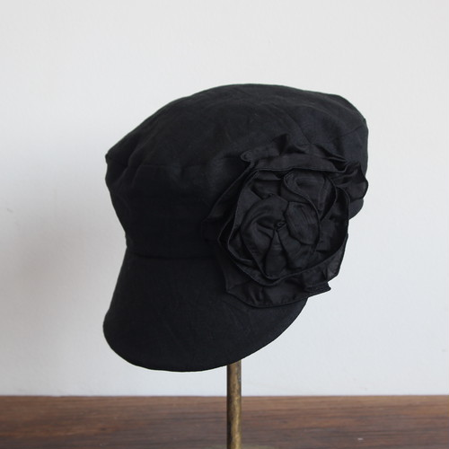 大きなブリムの定番キャスケット /シルクのわくまき黒