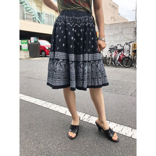 black embroidered skirt[B2424]