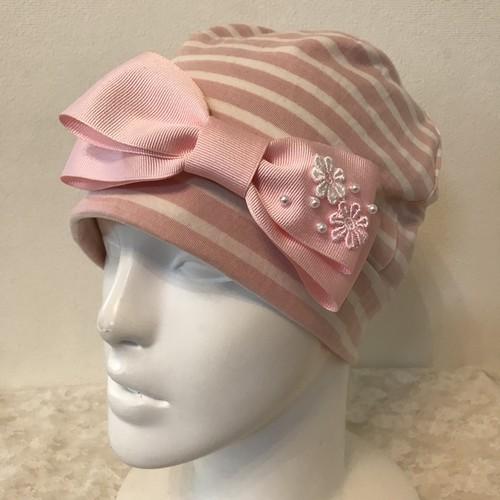 片側お花とパールのケア帽子 ピンク白ボーダー