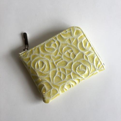 薄マチで使いやすいハーフ財布 エナメル革ローズ レモンイエロー Squeeze