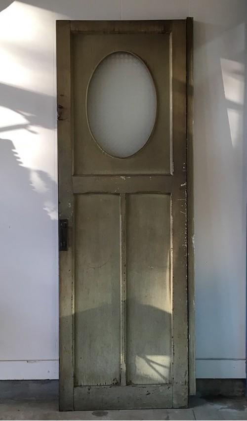 ペイントされた扉