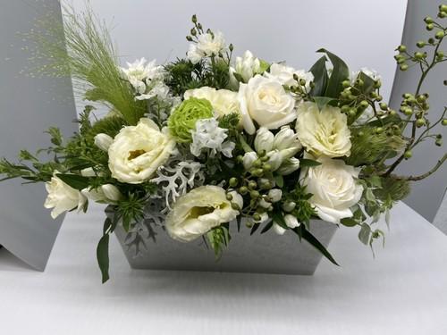 ご来店専用 arrangementsアレンジメント Mサイズ (ホワイト・グリーン系)