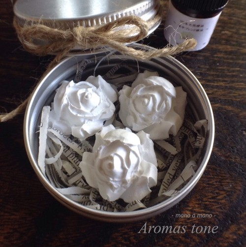 どこでも香りを...バラのアロマストーン