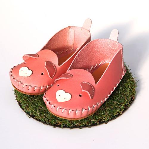 first shoe Zoo ブタ