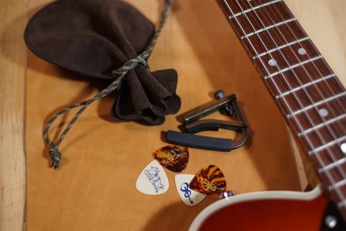 おまけ付き!Treasure Bag / Brown【ギターアクセサリーをまとめて収納できる巾着袋】