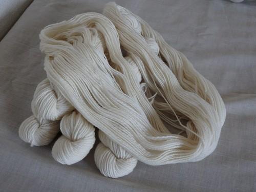 手紡ぎ糸 スペインメリノ ホワイト lot-A03-6 33g ( total 212g)