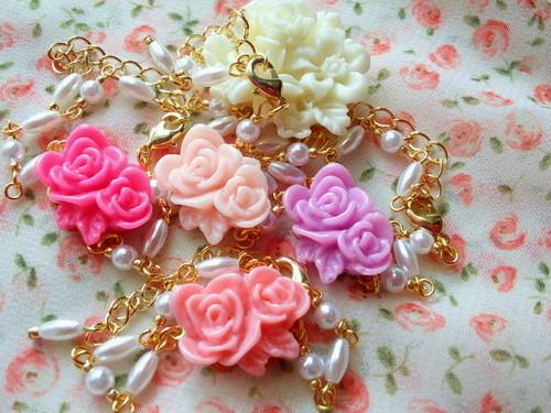 2輪薔薇とパールのドール用チョーカー