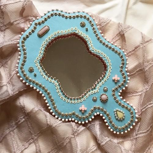 wall mirror 17