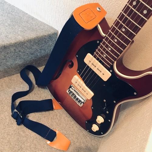 Qourrier / Blue【長さ調節を自在にしたギターストラップ】