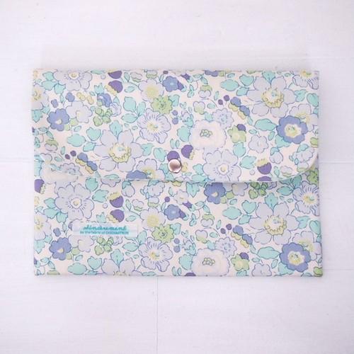 リバティ 母子手帳ケース ベッツィ/ライトブルー・ブルー B6サイズ マルチケース